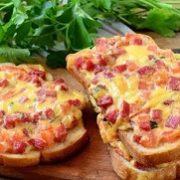 горячие бутерброды на завтрак в духовке